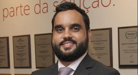Lucas Cavalcanti concede entrevista à Folha de Pernambuco