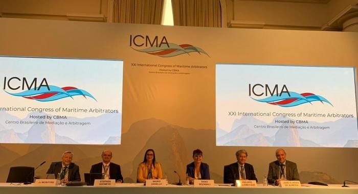 Ingrid Zanella palestrou no maior evento internacional do setor Marítimo730x480