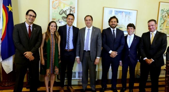 Camila Oliveira e Raphael Ribeiro participam da solenidade de sanção da Lei Anticorrupção no Estado de Pernambuco