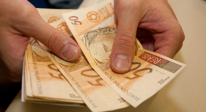 Abono pago a colaborador vira alvo de impasse após Reforma Trabalhista730x480