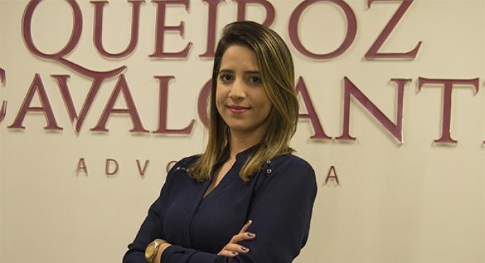 Amanda Ferraz concede entrevista ao Diário de Pernambuco730x480
