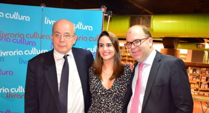 Bruno Cavalcanti participa do lançamento do livro 'Direito Administrativo e os Desafios do Século XXI'730x480