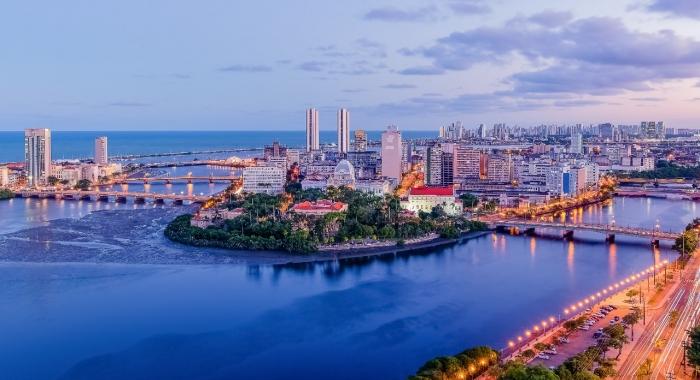 Sérgio Papini esclarece dúvias sobre os cortes na prefeitura do Recife, ao Portal JC Online.730x480